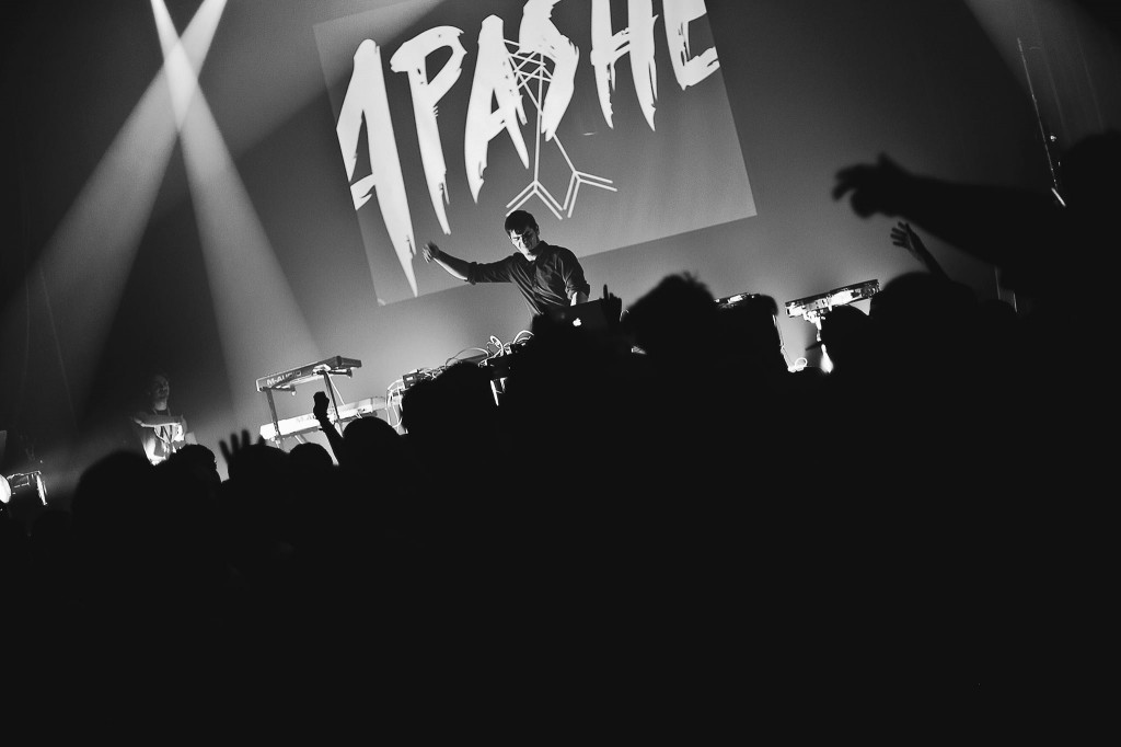 Apashe-photo-stage