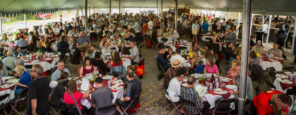 FGDN-2016-photo foule banquet-credit-Eric-Laroche